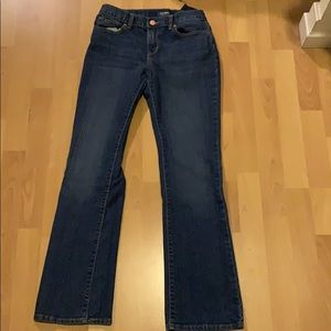 Regular blue jeans